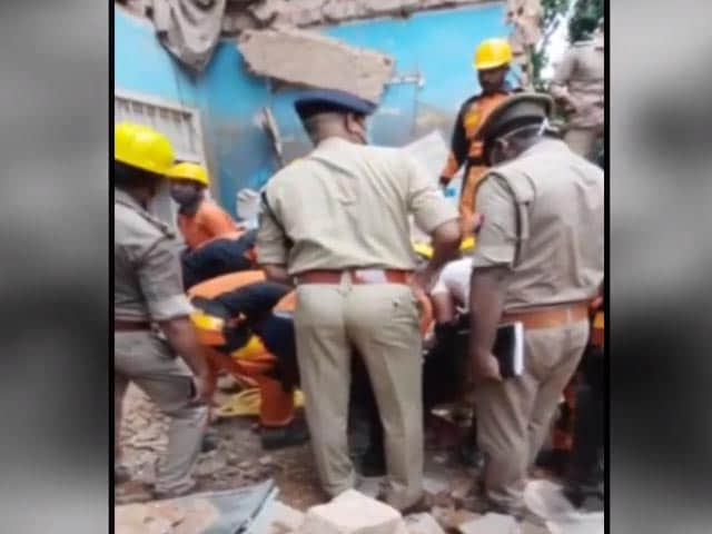 Video : 1 Killed After Two-Storey Building Collapses In Lucknow