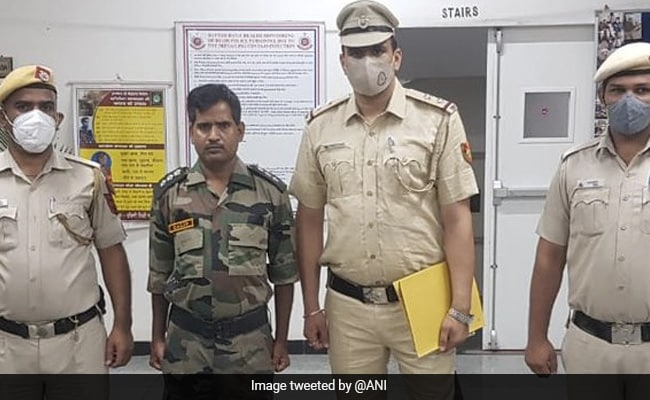 Man Arrested For Impersonating As Army Officer In Delhi