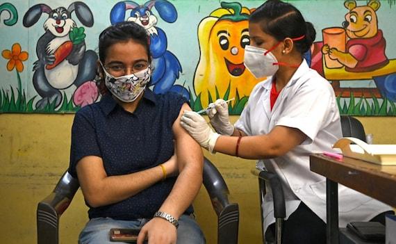 PM मोदी के 71वें जन्मदिन पर 2.5 करोड़ कोरोना टीके लगाकर भारत ने बनाया वर्ल्ड रिकॉर्ड