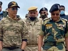 """Akshay Kumar Spends A Day With """"Bravehearts Guarding The Borders"""""""