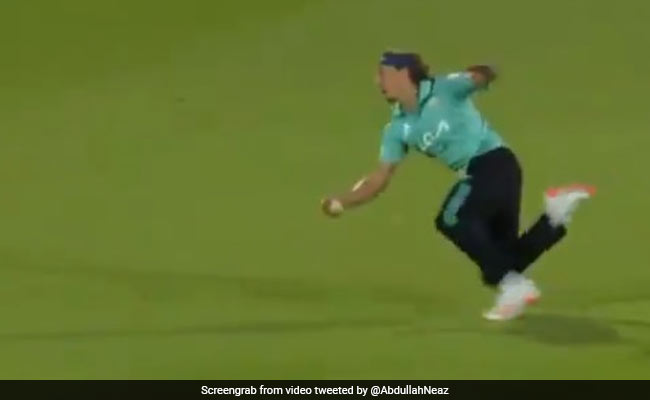 Tom Curran took a one-handed catch in Vitality Blast 2021 watch viral video