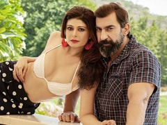 """Pooja Batra """"Really Likes"""" This Pic With Husband Nawab Shah. Easy To See Why"""