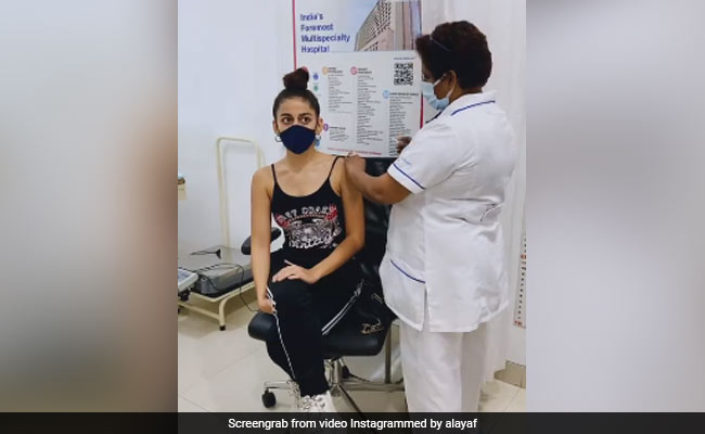 'Wasn't Bad At All': Alaya Furniturewalla Gets First COVID-19 Vaccine Shot