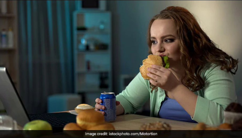 Junk Food, Skipping Breakfast And Caffeine May Cause Mental Distress In Women - Study