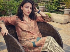 Soha Ali Khan's Outfit In This Pic Is The Hint To Her Mood