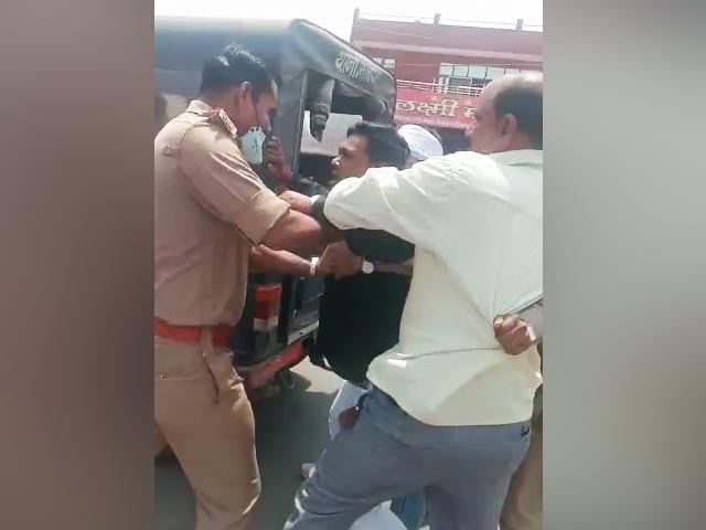 """Video : BJP Leader In Kanpur Faces Police Case For """"Helping"""" Criminal Escape"""