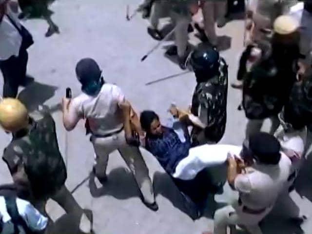 Video : Clashes Between Locals, Cops In Haryana Village Amid Demolition Fears