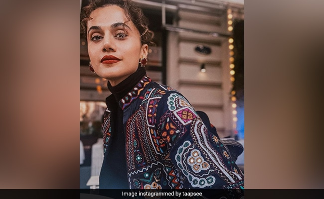 The 'Glare' In Taapsee Pannu's Eyes In This Pic Proves That She Is Having A Blast In Moscow