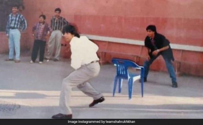 Dil To Pagal Hai For This Throwback Of Shah Rukh Khan And Akshay Kumar
