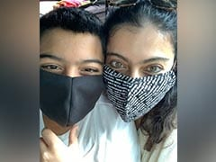 Kajol And Usual Suspect - Son Yug - In A Quirky Selfie