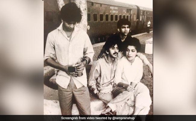 Shah Rukh Khan थियेटर के दिनों में दिखते थे ऐसे, अनदेखी Photo ने इंटरनेट पर बटोरी सुर्खियां