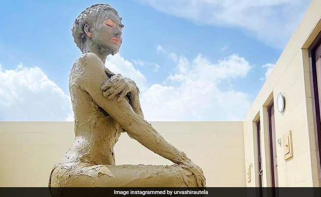 ICYMI: This Pic Of Urvashi Rautela Is A 'Muddy Marvel'