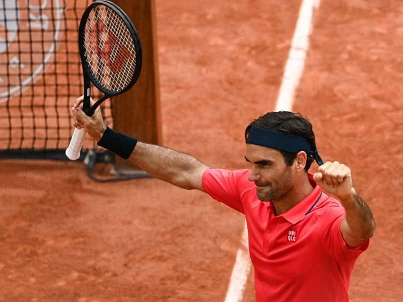 French Open: Roger Federer Loses Cool Before Securing His Place In Last 32