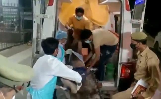 संभल में ट्रक ने रोडवेज बस के यात्रियों को टक्कर मारी, 7 बारातियों की मौत