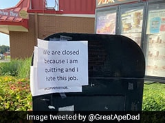 """""""I Hate This Job"""": McDonald's Worker Quits By Posting Sign At Drive-Through"""