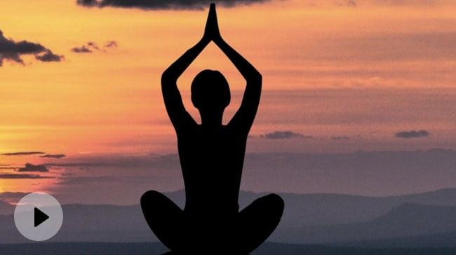 Yoga To Reduce Belly Fat: पेट पर जमी चर्बी को गायब कर सकते हैं ये योगासन, आज से ही करें शुरू