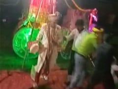 शादी के धूम-धड़ाके में मतवाला हुआ हाथी, दूल्हे को बग्घी से कूदकर बचानी पड़ी जान