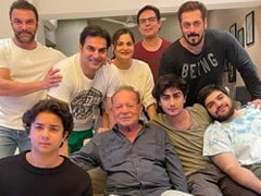 Inside Salman Khan's Fam-Jam With Salim Khan And Others. See Pic