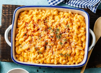 Weekend Special: How To Make Mac-N-Cheese In Less Than 5 Minutes