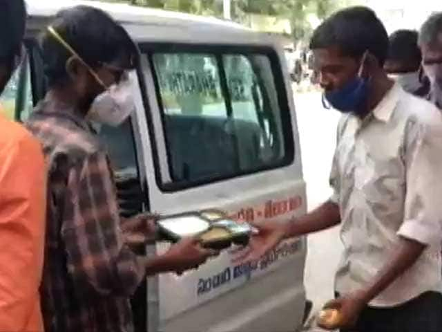 Video : Former Child Labourer From Hyderabad Provides Food And Oxygen During COVID-19