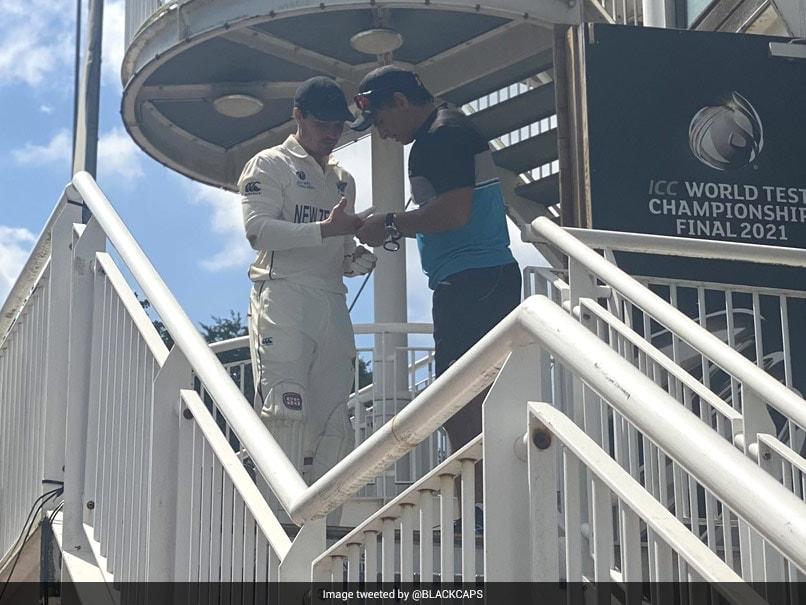 WTC Finals: Fans Save BJ Watling for Keeping Wickets Despite Moving Finger Despite Cricket News