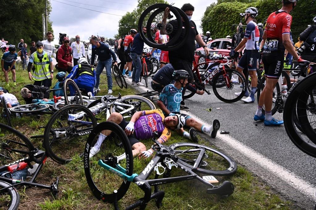 Tour De France Spectator Who Caused Mass Crash Arrested