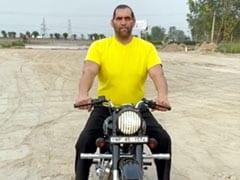 Khali ने रॉयल अंदाज में चलाई Bullet, देखकर लोगों ने कर दिया Troll, 4 करोड़ बार देखा गया Video