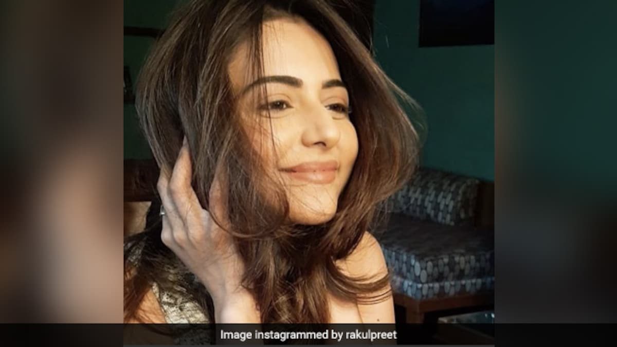 """Rakul Preet's """"Chaat Time"""" On The Filming Sets Is Drool-Worthy; Take A Look"""