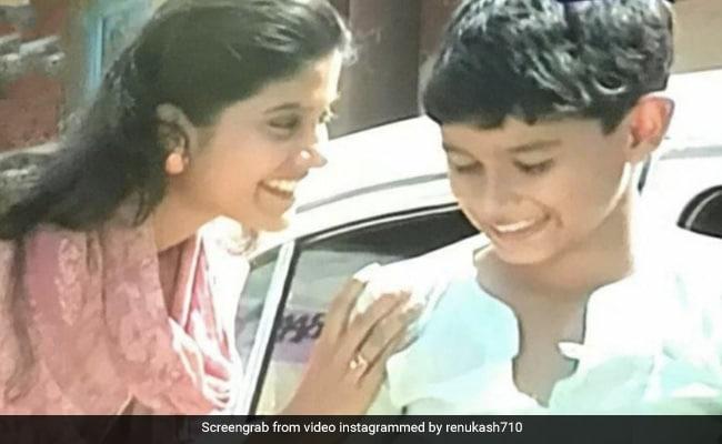 From Renuka Shahane, Some 90s Nostalgia With Co-Star Kunal Kemmu