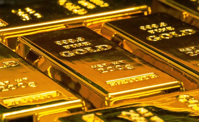 Gold Price Today: Yellow Metal Holds, Silver Rates Also Up