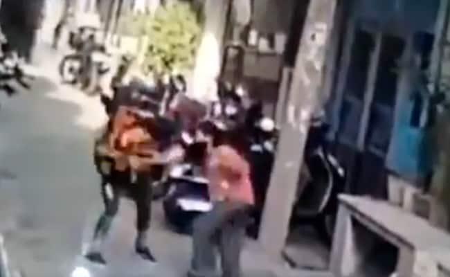 CCTV Footage Helps Cops Arrest Delhi Woman Seen Snatching Mobile Phone