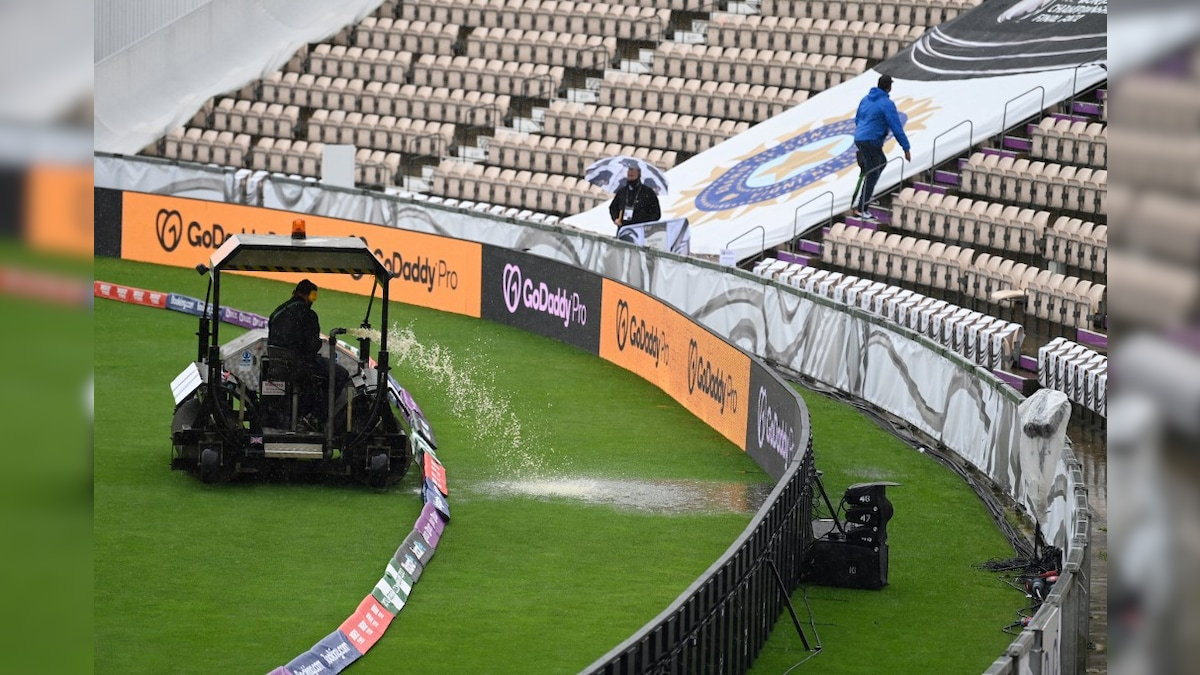 """Photo of WTC Final: Dinesh Karthik Gives Weather Update From Southampton, Says """"Doesn't Look Great"""""""