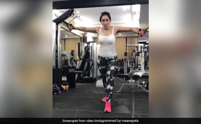Maanayata Dutt Working Out In This Video Is A Whole Mood