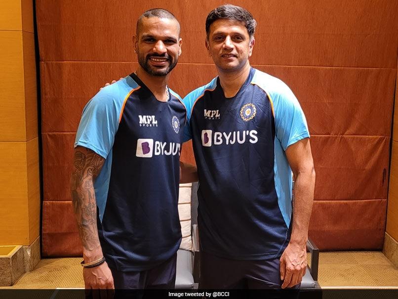 IND vs SL: कोच के रूप में राहुल द्रविड़ को देखकर गदगद हुए फैन्स, बोले- लंबा इंतजार खत्म हुआ..
