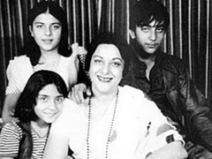 """""""There's Nobody Like You"""": Sanjay Dutt Posts Throwbacks On Mom Nargis' Birth Anniversary"""