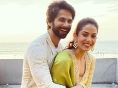 Shahid Kapoor And Mira Rajput Are Keeping Old School Romance Alive With Fresh Flowers And Social Media PDA