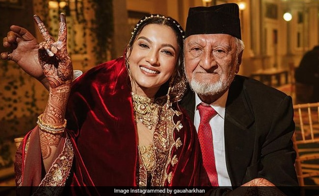 Father's Day 2021: Gauahar Khan And Hina Khan Remember Their Dads With Emotional Posts