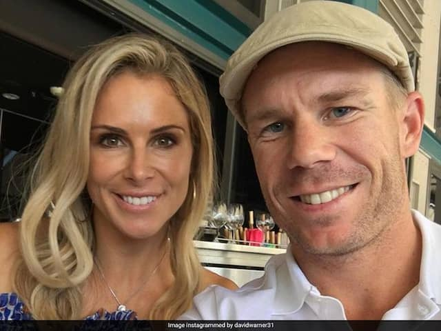 """""""Proud Husband"""" David Warner Shares Picture With Wife Candice"""
