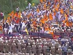 Sukhbir Badal Detained Amid Huge Protest Outside Amarinder Singh's House