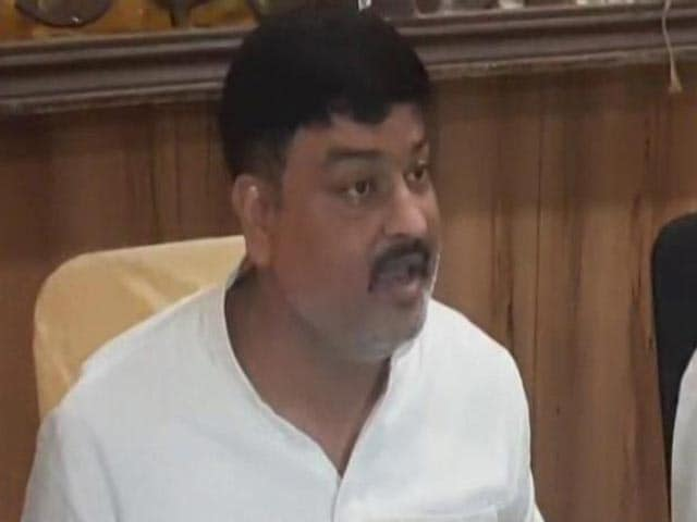"""Video : """"2 Crore To 18 Crore In Minutes"""": Ram Temple Trust Accused Of Land Scam"""