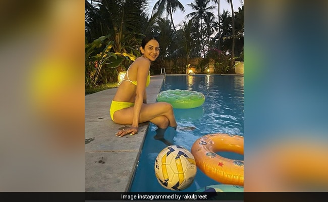 Rakul Preet Singh Is Not On A Vacation; She's Just 'Holidaying In Her Head.' See Pic