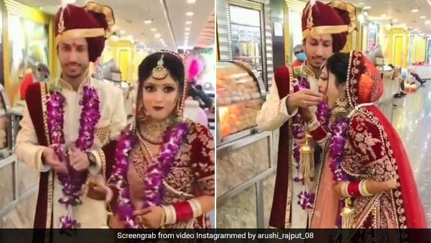 Photo of Watch: Groom Feeds Bride Pani Puri, Viral Video Wins Over The Internet