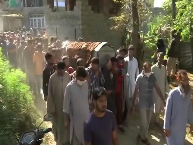 Video : Day After J&K Cop, Wife Were Killed By Terrorists, Daughter Dies