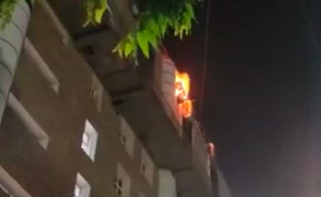 22 Fire Engines At AIIMS Delhi After Fire On 9th Floor, Everyone Rescued