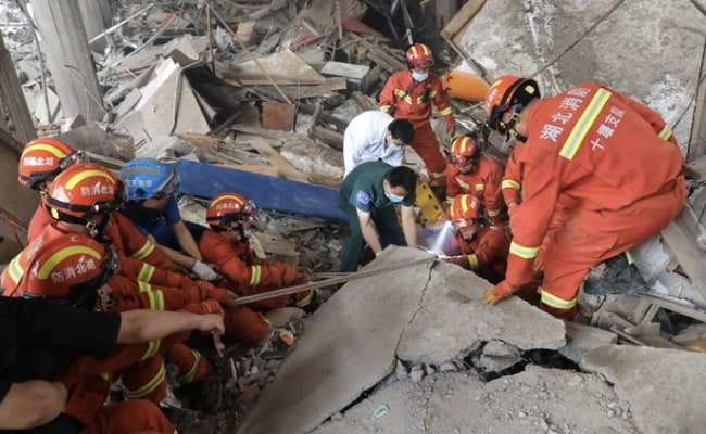 8 China Gas Employees Detained After Pipeline Blast Kills 25