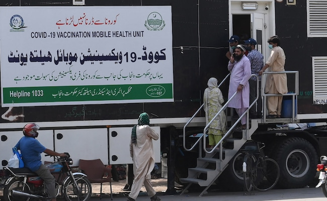 'Clear Early Signs' Of Fourth COVID-19 Wave Starting In Pakistan: Minister