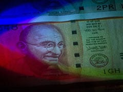 Rupee Pares Early Gains, Settles Lower To 74.47 Against Dollar: Here's Why