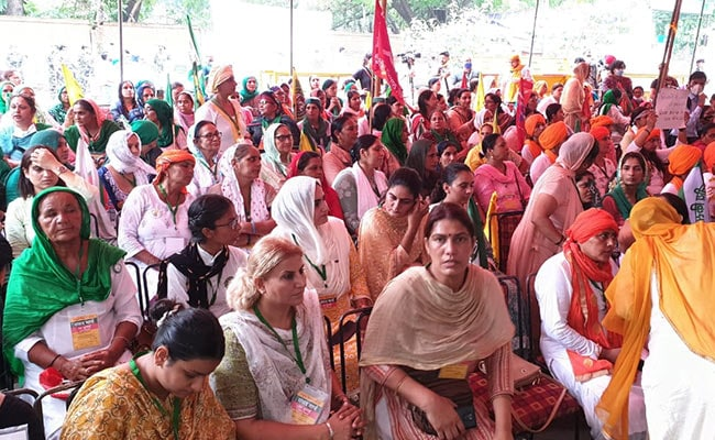 All-Women Brigade, 4-Year-Old Orator At 'Kisan Sansad' In Delhi