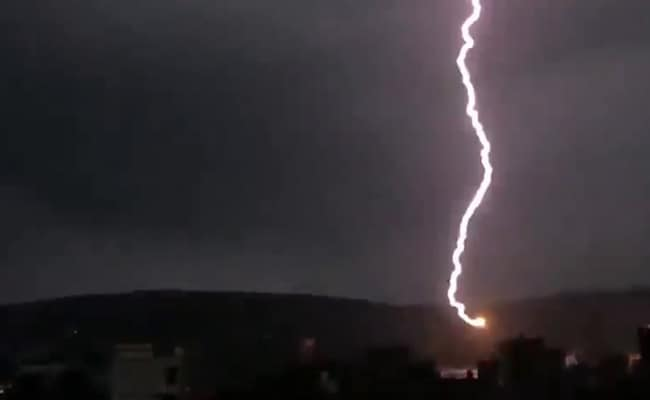 Lightning Kills Selfie-Takers In Jaipur, Another 37 In UP