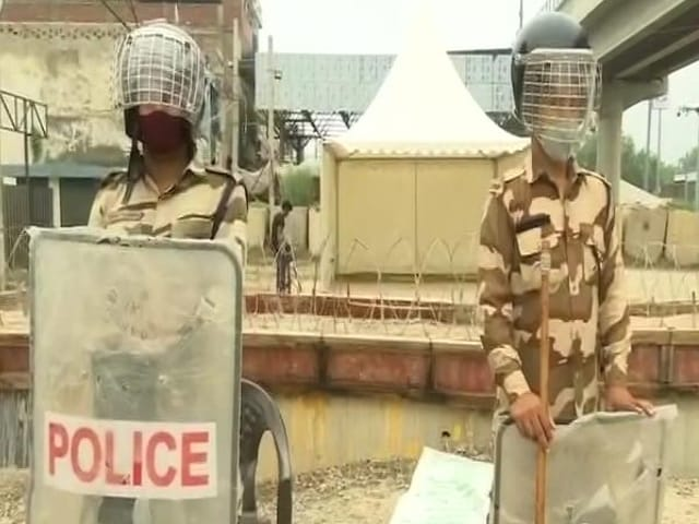 Video : Farmers Set To Protest In Heart Of Delhi Today, Tight Security At Borders